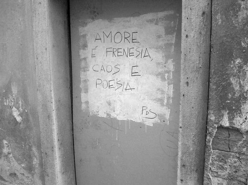 Scritte sui Muri Love is in the air