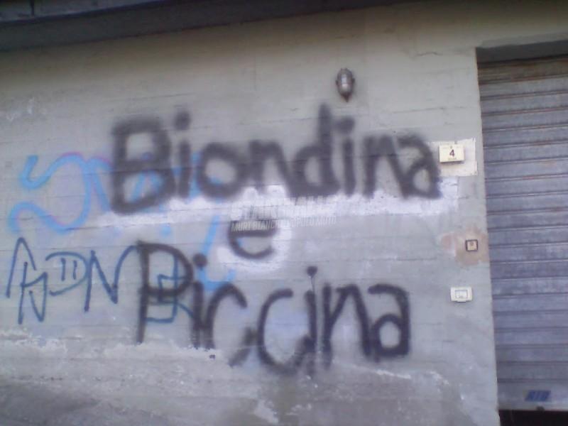 Scritte sui Muri Puffetta