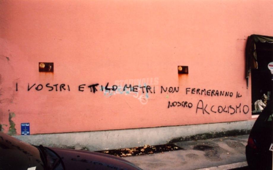Scritte sui Muri Fateci largo