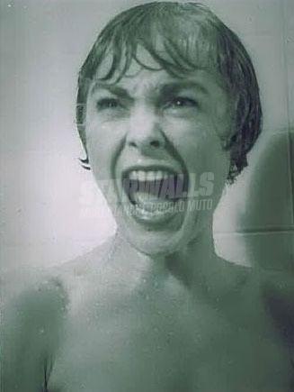 Scritte sui Muri Sotto la doccia di Psycho