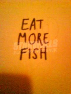 Scritte sui Muri tutto fosforo ..