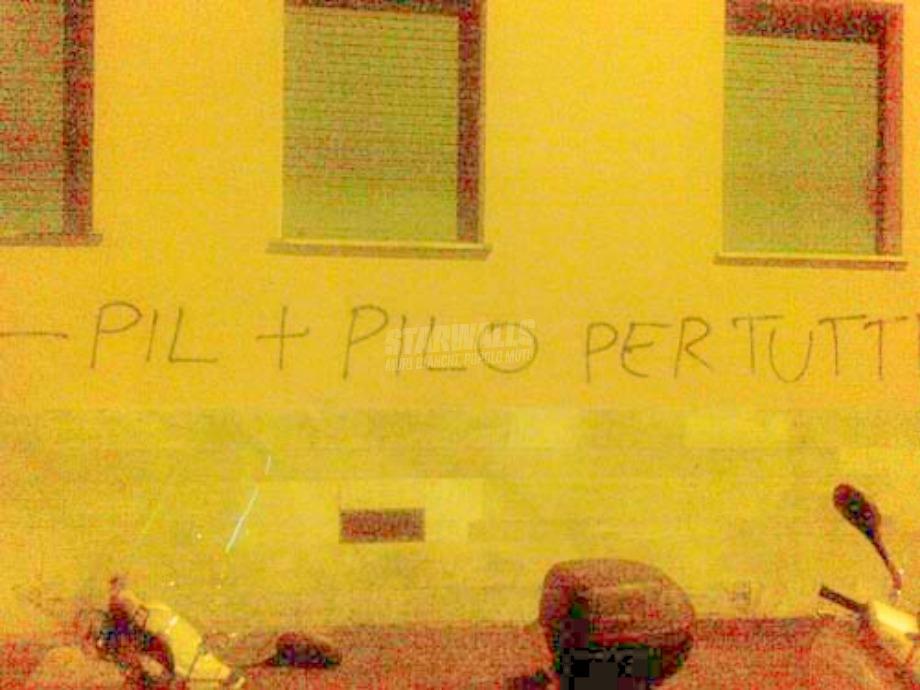 Scritte sui Muri Cetto Laqualunque
