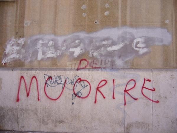Scritte sui Muri Odio la grammatica