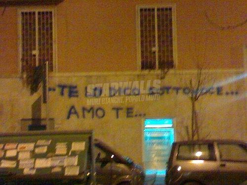 Scritte sui Muri serenata metropolitana