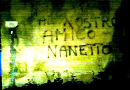 Scritte sui Muri Dedicato al mago di Arcore?