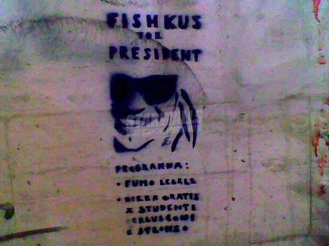 Scritte sui Muri Vote him