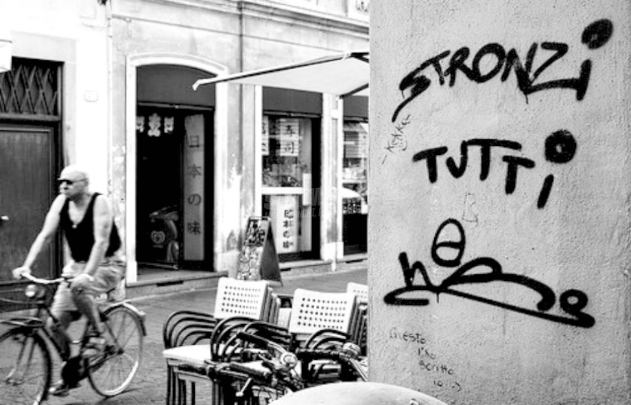 Scritte sui Muri Avete rotto
