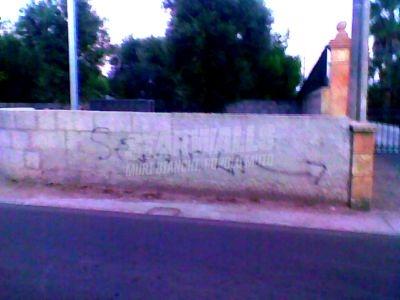 Scritte sui Muri Mani fatate ..
