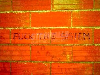 Scritte sui Muri Eversione (Cepu style)