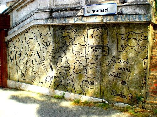 Scritte sui Muri inviti espliciti