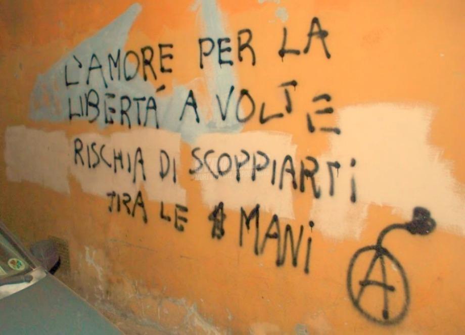 Scritte sui Muri Amore esplosivo
