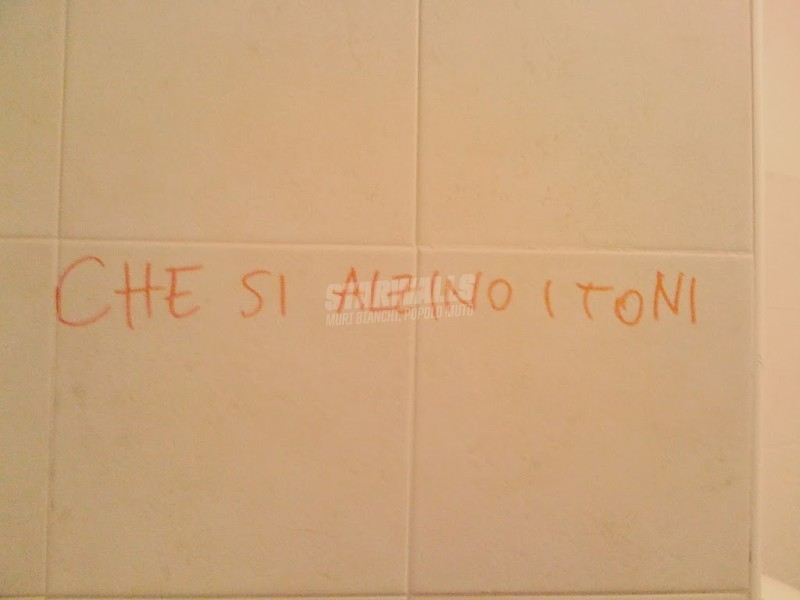 Scritte sui Muri Più forte ragazzi