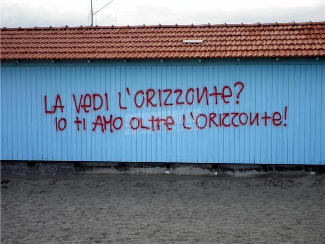 Scritte sui Muri Amore senza confini