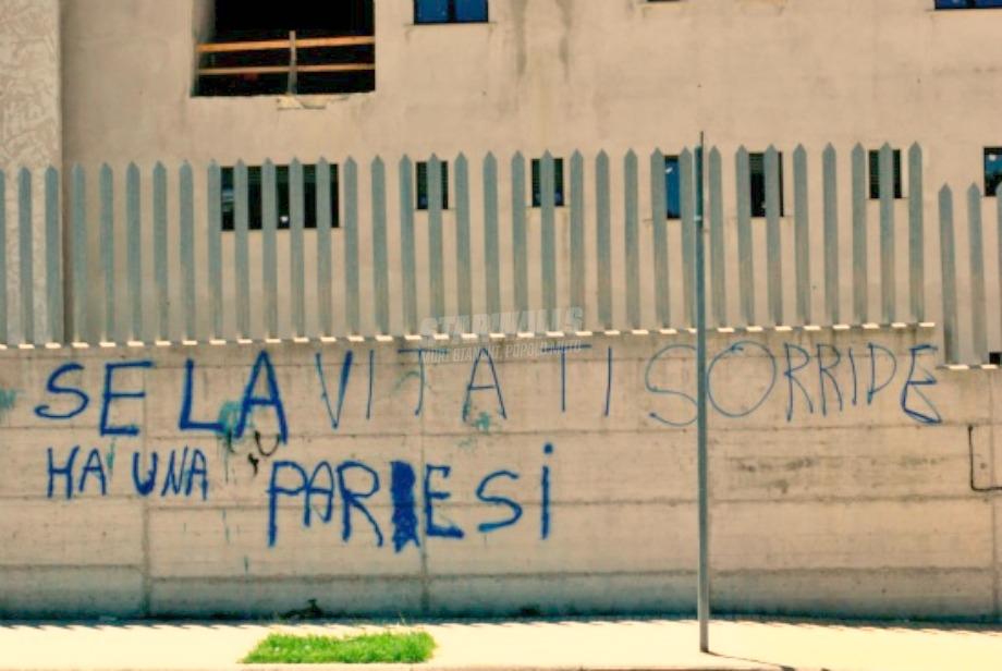 Scritte sui Muri O ti sta prendendo per il c**o