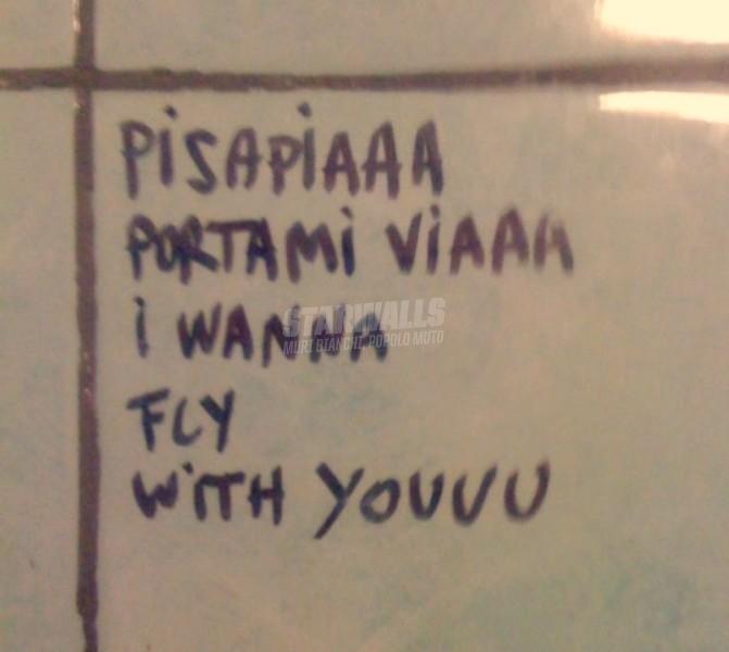 Scritte sui Muri Pisapia airlines