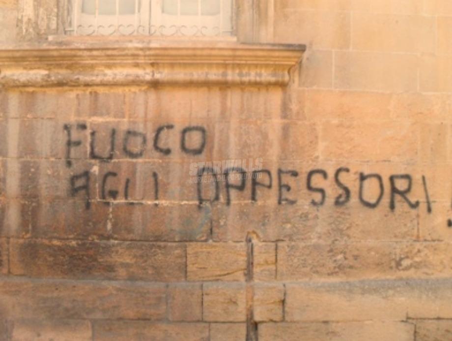 Scritte sui Muri Ignoranza opprimente