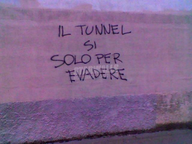 Scritte sui Muri I furbetti del tunnellino