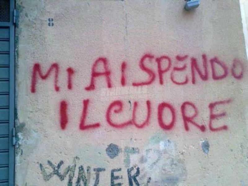 Scritte sui Muri Buio