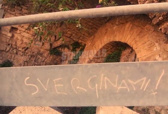 Scritte sui Muri Cortesemente