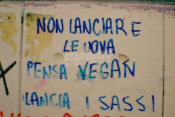Scritte sui Muri Vegan riot