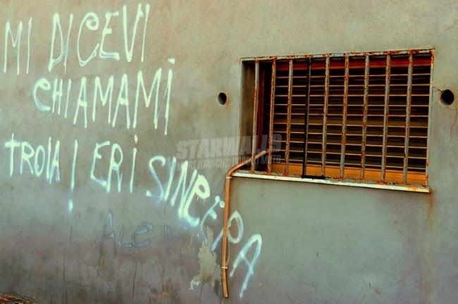 Scritte sui Muri Nomen omen