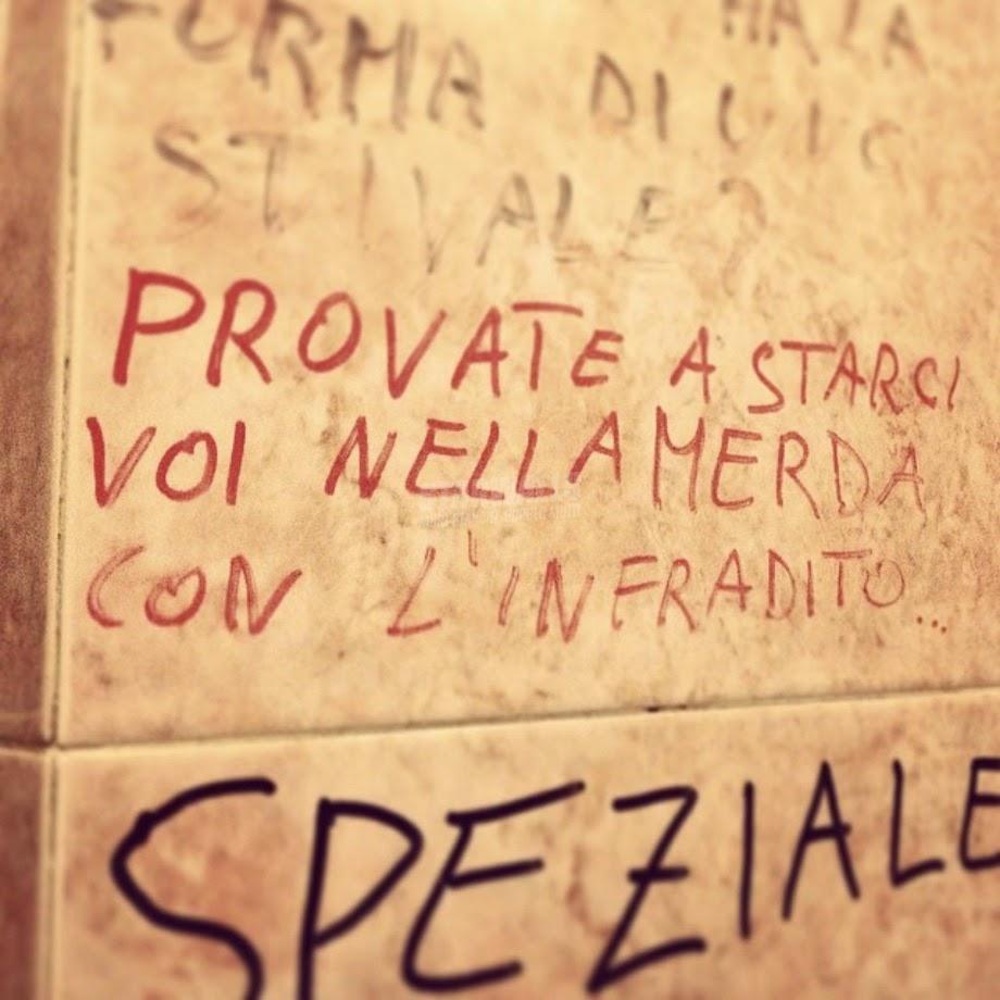 Scritte sui Muri Male attrezzato