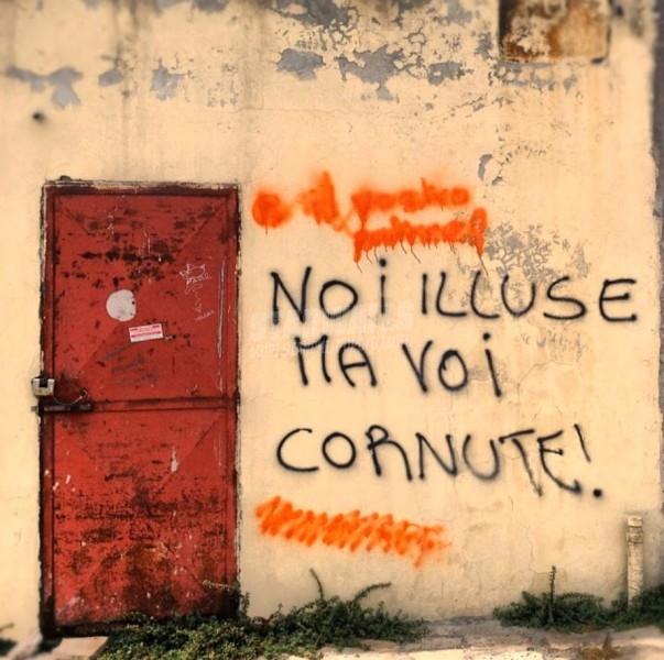 Scritte sui Muri Donne contro