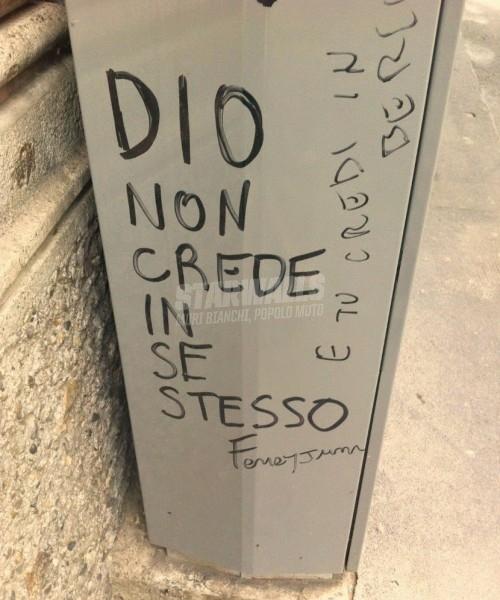 Scritte sui Muri Mancanza di autostima ?