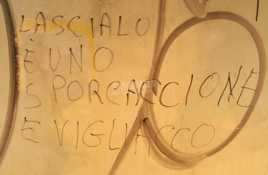 Scritte sui Muri Mollalo