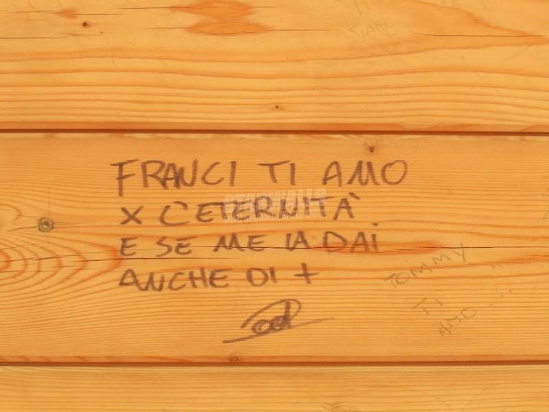 Scritte sui Muri All'infinito