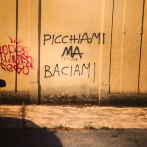 Scritte sui Muri Bipolare