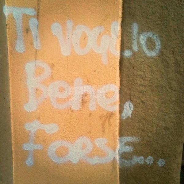 Scritte sui Muri Indeciso