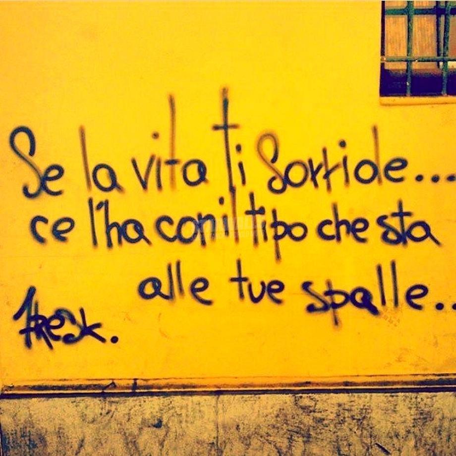 Scritte sui Muri Voltati