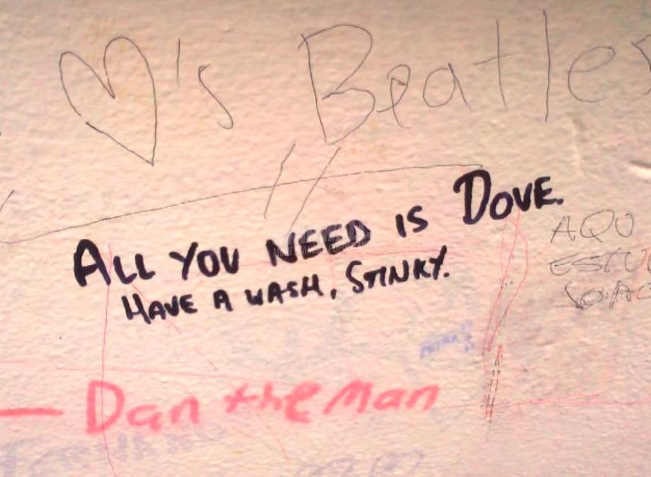Scritte sui Muri Puzzone