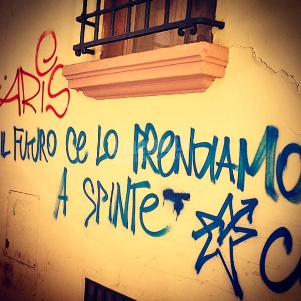 Scritte sui Muri Bologna agitata