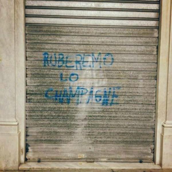 Scritte sui Muri Minacce a Genova