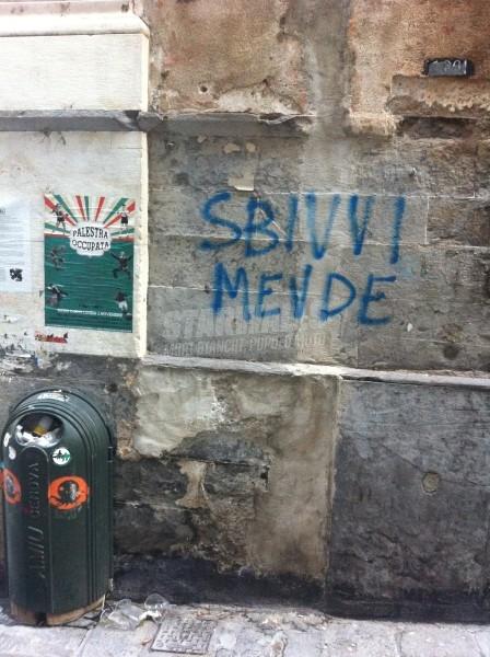 Scritte sui Muri Erre moscia e sovversiva