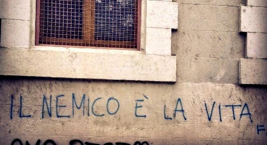 Scritte sui Muri Sfiduciato