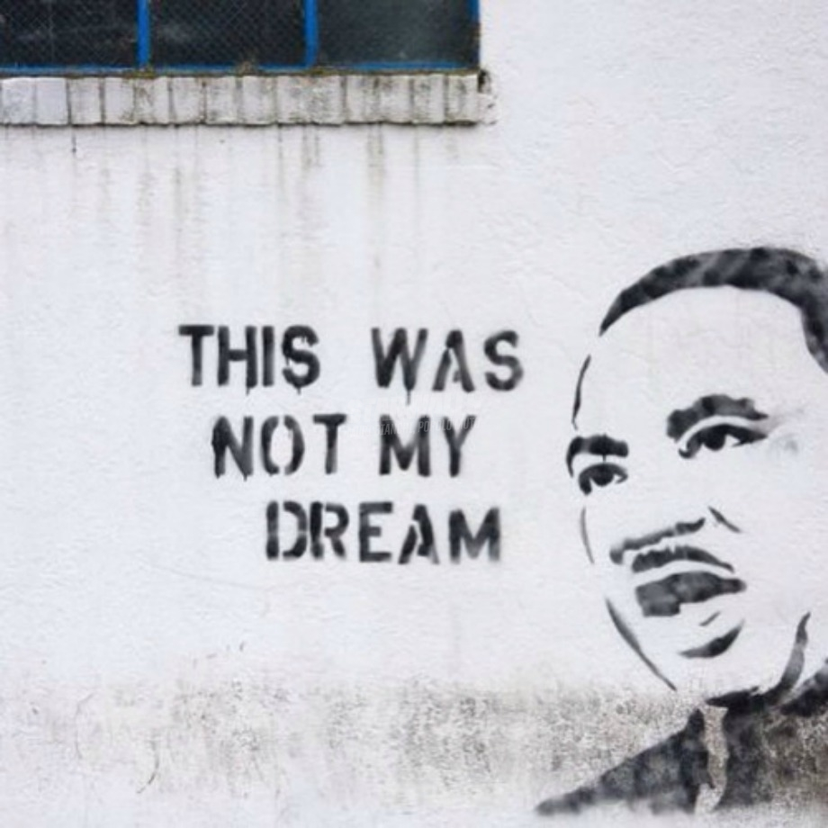 Scritte sui Muri Betrayed