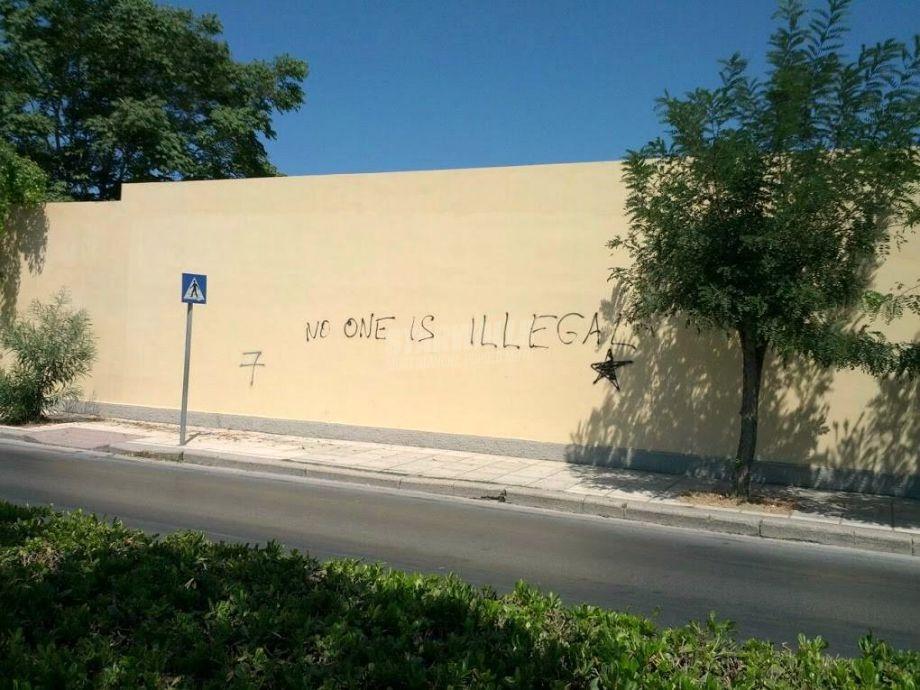 Scritte sui Muri E nessuno deve essere definito tale