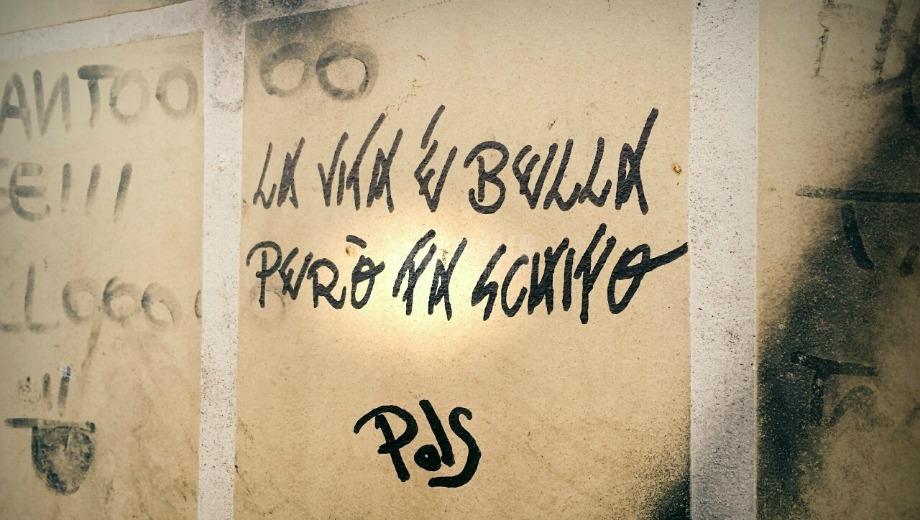 Scritte sui Muri Però