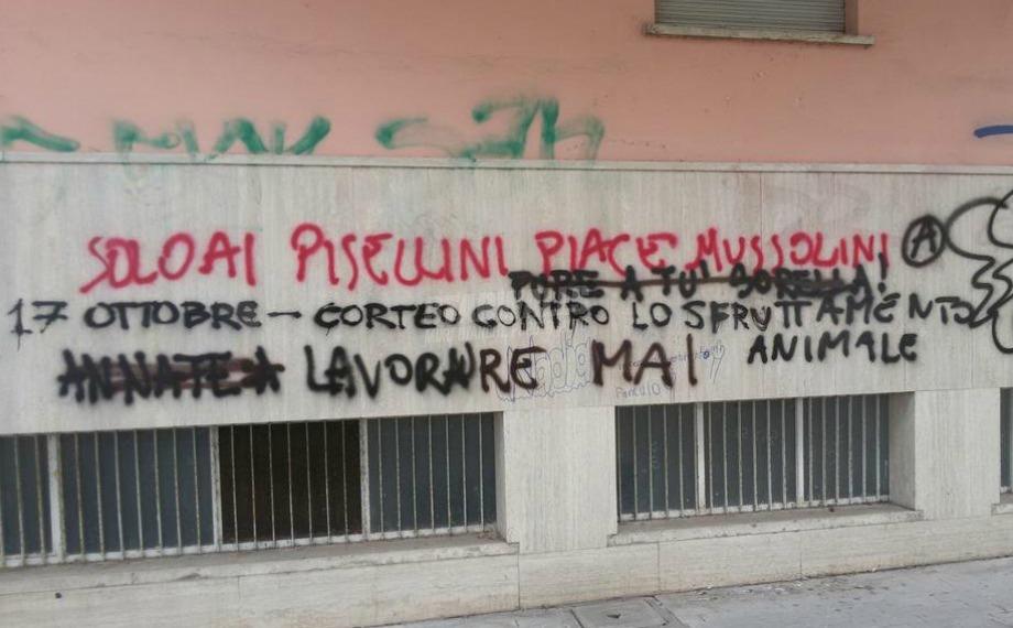 Scritte sui Muri Microdotati