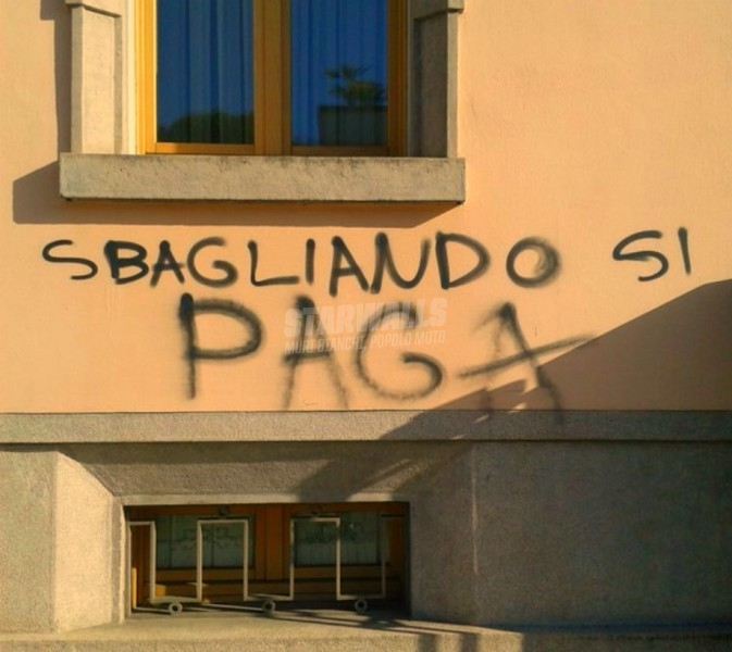 Scritte sui Muri Pagando s'impara