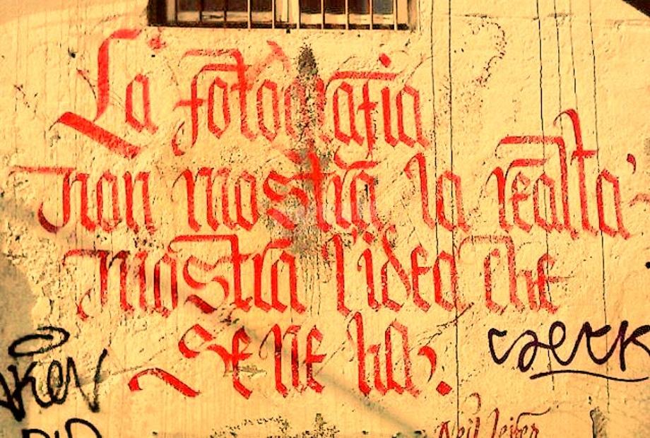 Scritte sui Muri Rappresentare in modo vivo