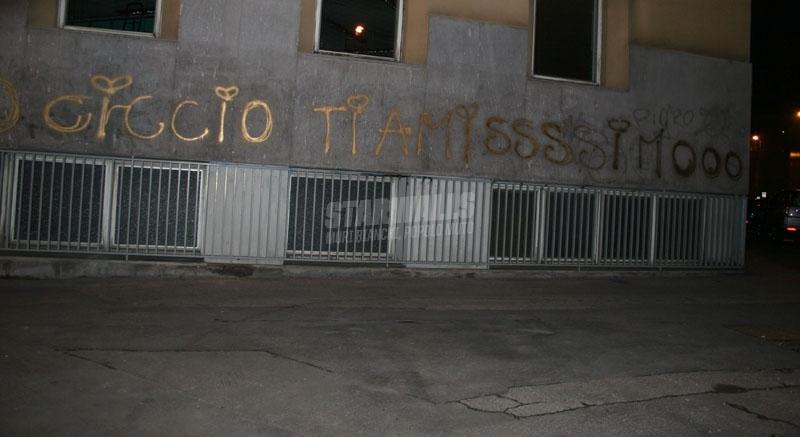 Scritte sui Muri falling in love with ciccio