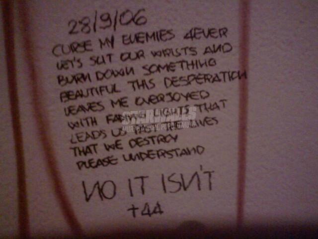 Scritte sui Muri Lyrics