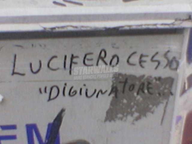 Scritte sui Muri ci tiene alla linea?