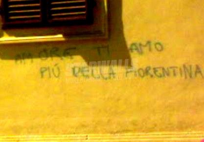 Scritte sui Muri Ultras innamorato