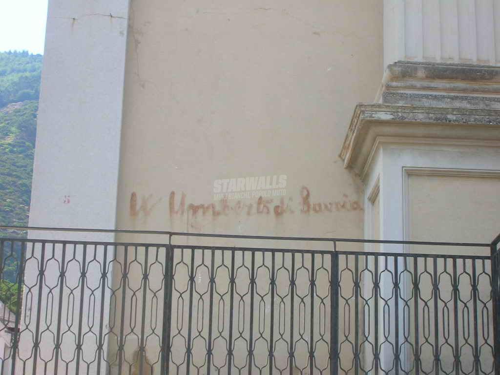 Scritte sui Muri Avanti savoia