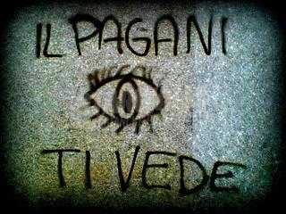 Scritte sui Muri occhio al Pagani